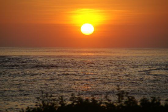 Floreana, Ecuador: Stunning sunset