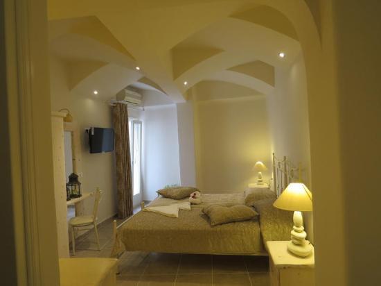 Villa Manos: room