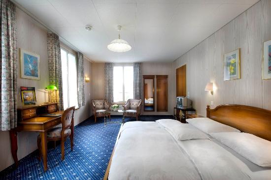 Hotel Du Lac: Superior riverside double room