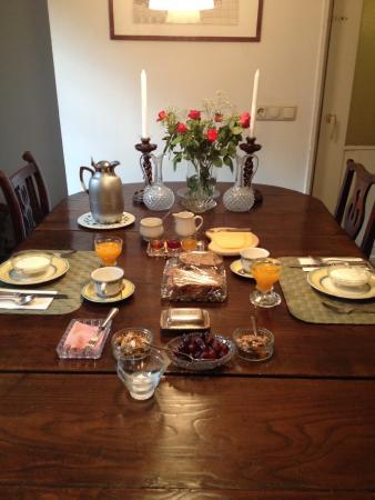 Chambres-en-Ville : Ida's wonderful breakfast