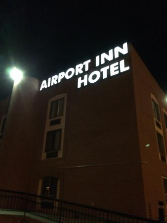 Airport Inn Hotel Photo