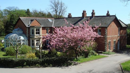 Liddington, UK: King Edward's House is a converted country house within the grounds, can be sole occupancy subje