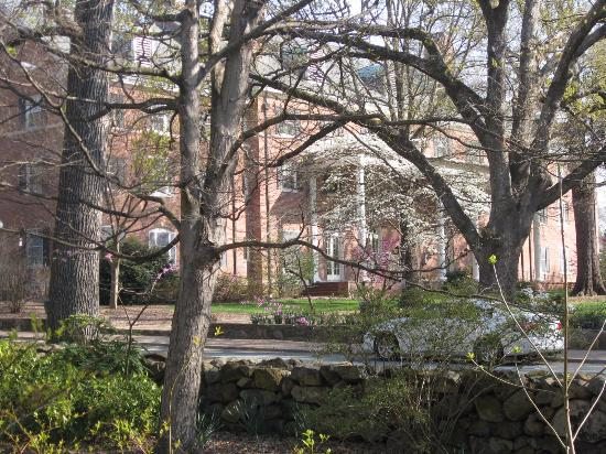 University of North Carolina: One of the wonderful buildings, on a walkabout