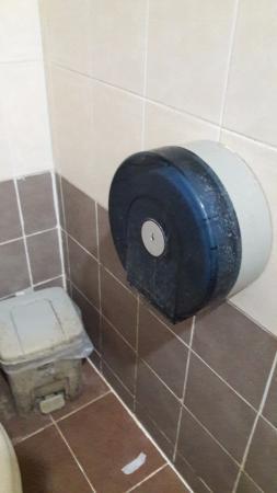 Ao Nang Cozy Place: Dirty bathrrom