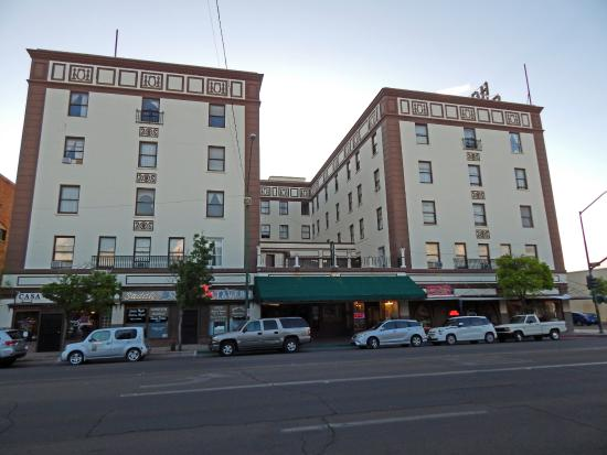 Douglas, AZ: front of hotel in the heart of the downtown
