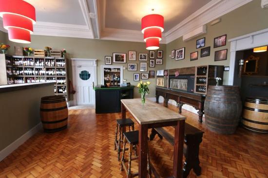 Harvey Leonards Wine U0026 Ale