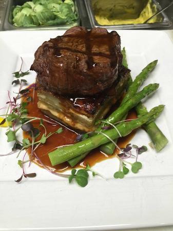 Moe's Restaurant: grilled filet with yukon, caramelized onion & comté gratin, asparagus