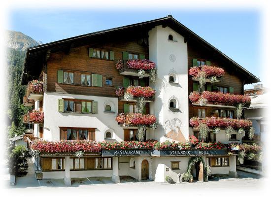 Hotel Restaurant Steinbock: Aussenansicht Sommer