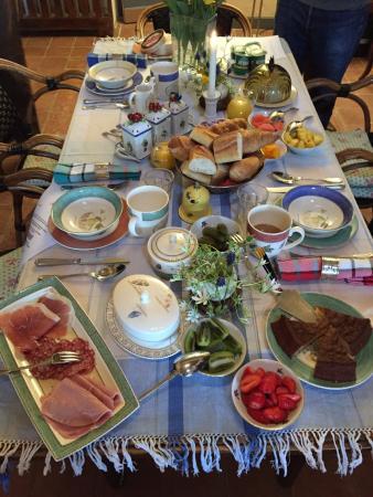 Nerigean, Γαλλία: Ein Frühstück der Extraklasse und sehr stilvoll