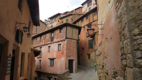 1342522178706 Andador Visitas Guiadas Albarracin y Teruel  Rincón típico del pueblo
