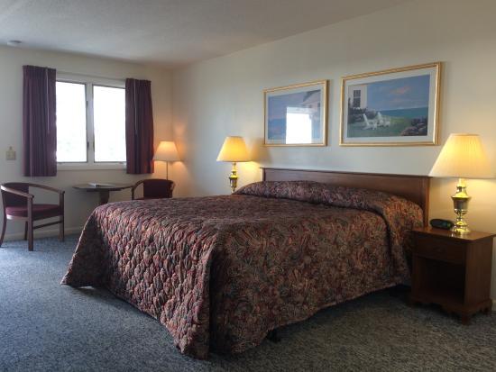Seawall Motel: King Room