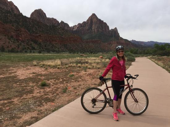 Zion Lodge: Pa'rus Trail -- An Easy Bike Ride