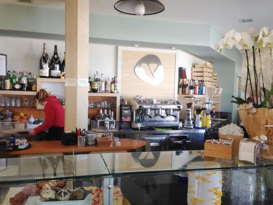 bancone caffe' - picture of bagno vally, cesenatico - tripadvisor