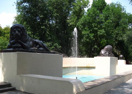 Sculpture Lions