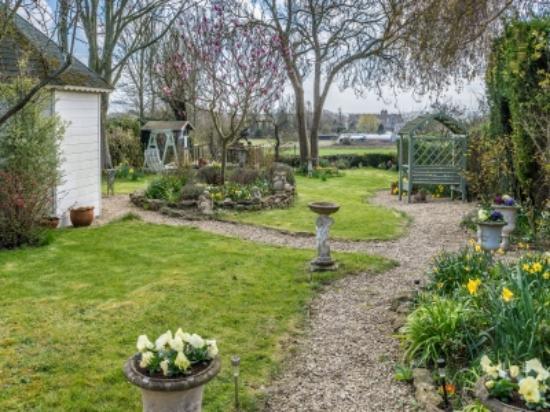 Pucklechurch, UK: Garden March 2016