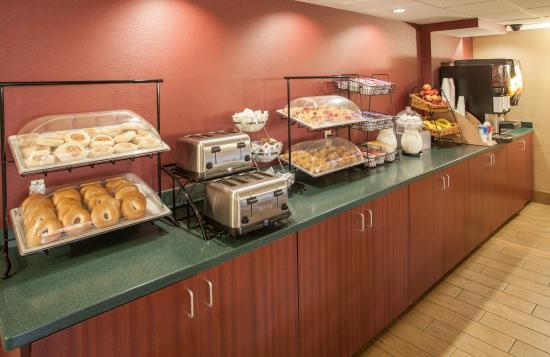 Continental Breakfast Picture Of Red Roof Inn Ann Arbor