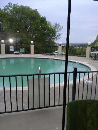 Denison, TX: Was raining and could not go for a dip :(