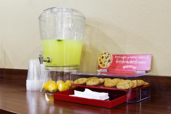 Travelodge Savannah Area/Richmond Hill: cookies