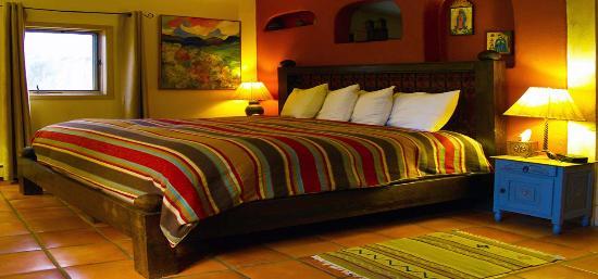 Casa Cuma Bed & Breakfast: Santa Fe Suite