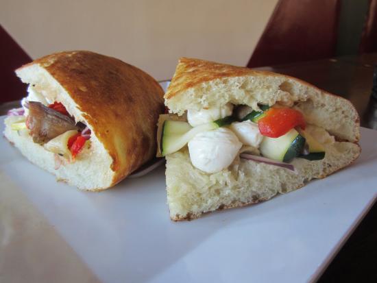 Forno Pizzeria & Grille: Veggie Sandwich