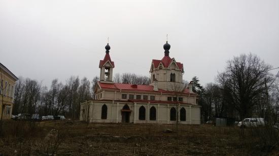 Lomonosov, Rusia: Необычная архитектура храма