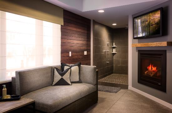 Inn at the 5th: Crystal Suite