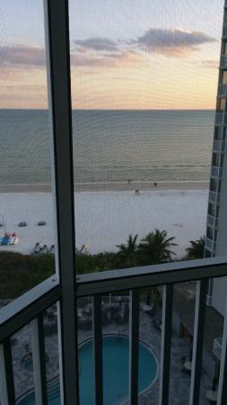 DiamondHead Beach Resort Hotel: Views from 8th floor.  Stunning!