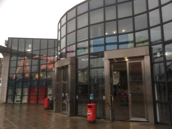 Ponds Forge International Sports Centre: Entrance