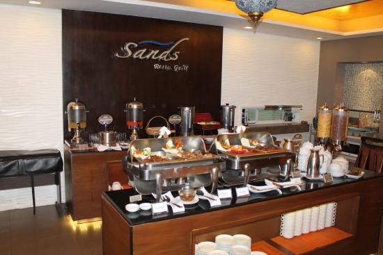 The Lighthouse Marina Resort: Breakfast buffet