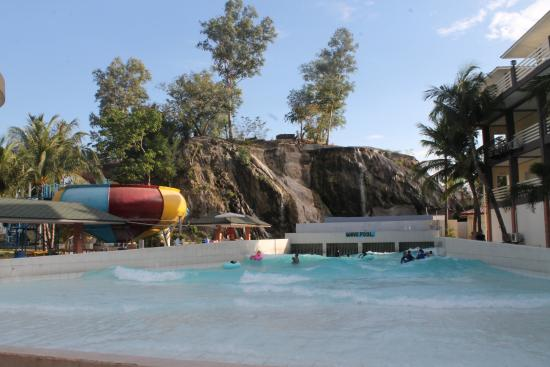 White Rock Waterpark And Beach Resort Wave Pool