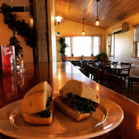 Lyndonville, VT: beautiful new dining room and great sandwich on artisan bun