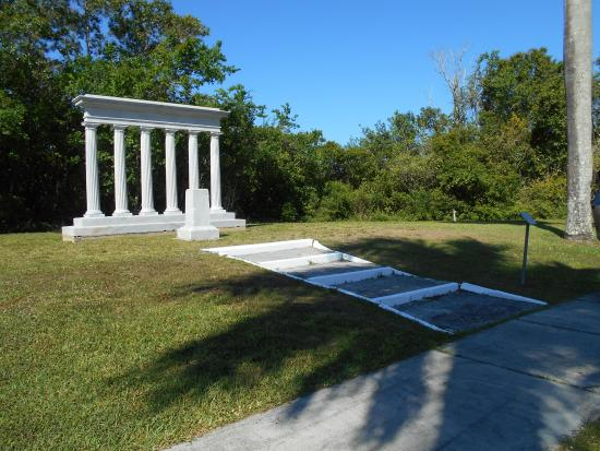 Collier Seminole State Park : Baron Collier's memorial