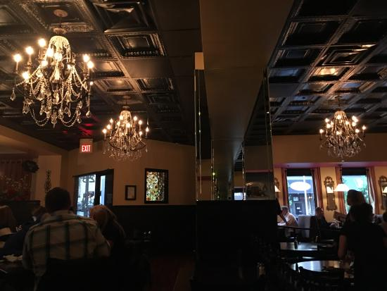 Saul Good Restaurant Pub Dining Room Area 7pm On Tuesday Night Nice Chandeliers