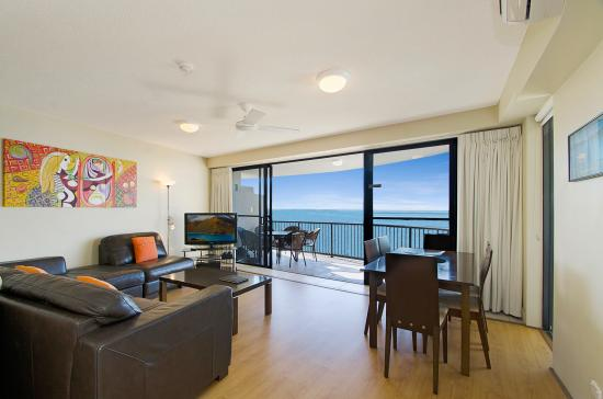 Windward Passage Holiday Apartments: Two Bedroom living area