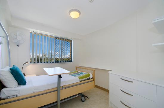 Windward Passage Holiday Apartments: Hospital Bed