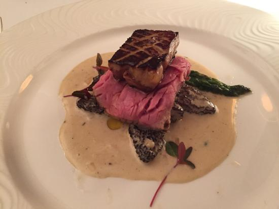 Carnegie Inn & Spa Restaurant: Filet of Beef on Morels and Asparagus with Seared Foie Gras