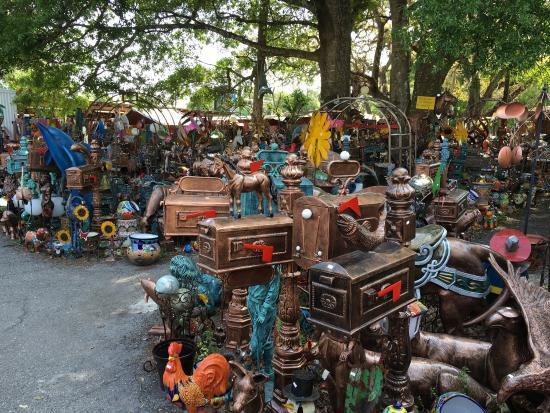 Barberville Roadside Yard Art & Produce