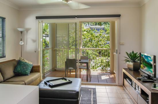 Port Douglas Apartments: Lounge
