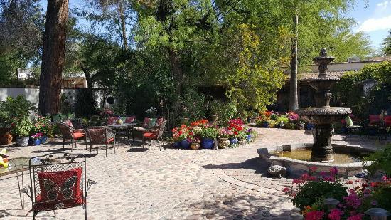 El Presidio Inn Bed and Breakfast : 20160401_150836_large.jpg
