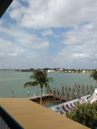 North Bay Village, FL: 4th flloor room