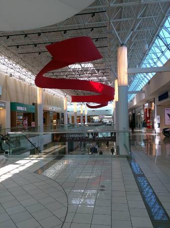 Surrey, Kanada: Inside of the mall
