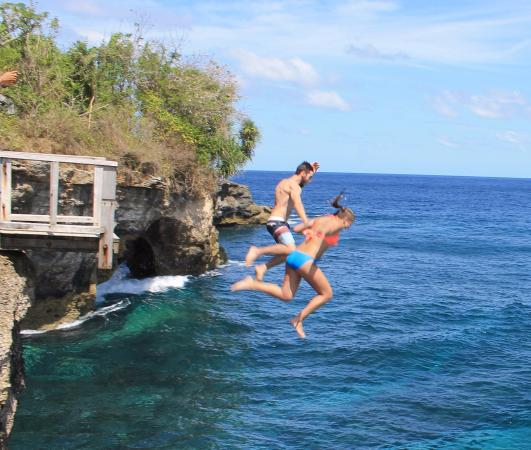 ‪Lembongan Cliff Jumping‬