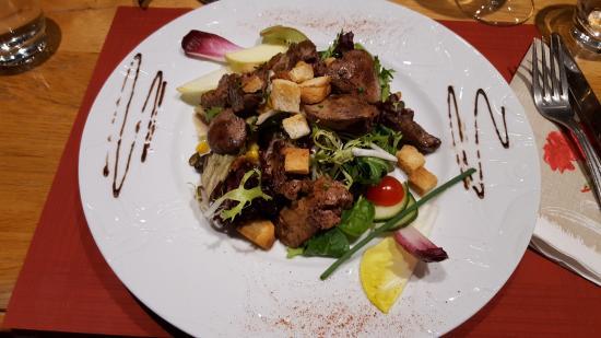 Thannenkirch, Frankrike: Vorspeise, Geflügelleber mit Salat