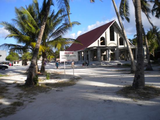 Sacred Heart Cathedral: A Church among sand and palms
