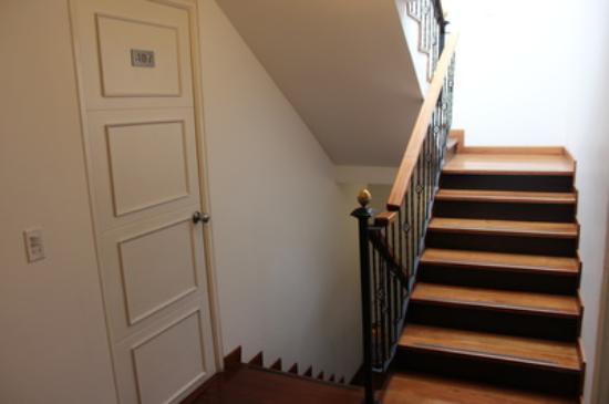 la santa mara hotel boutique escaleras internas con un elegante diseo