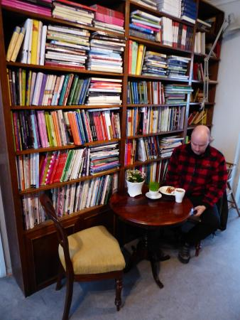 Cafe Antique: plenty of books