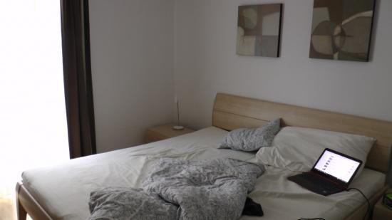 Diamond Apartments: bedroom