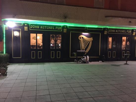John Mitchel Pub: Esterno