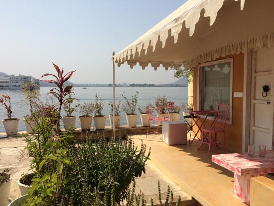 Great location on Lake Pichola!