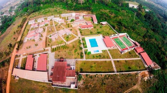 Kumba, Camarões: Arial view of Elongo Garden